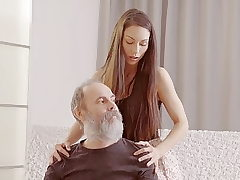 DADDY4K. Teenage babe tells a story about her dad porn...